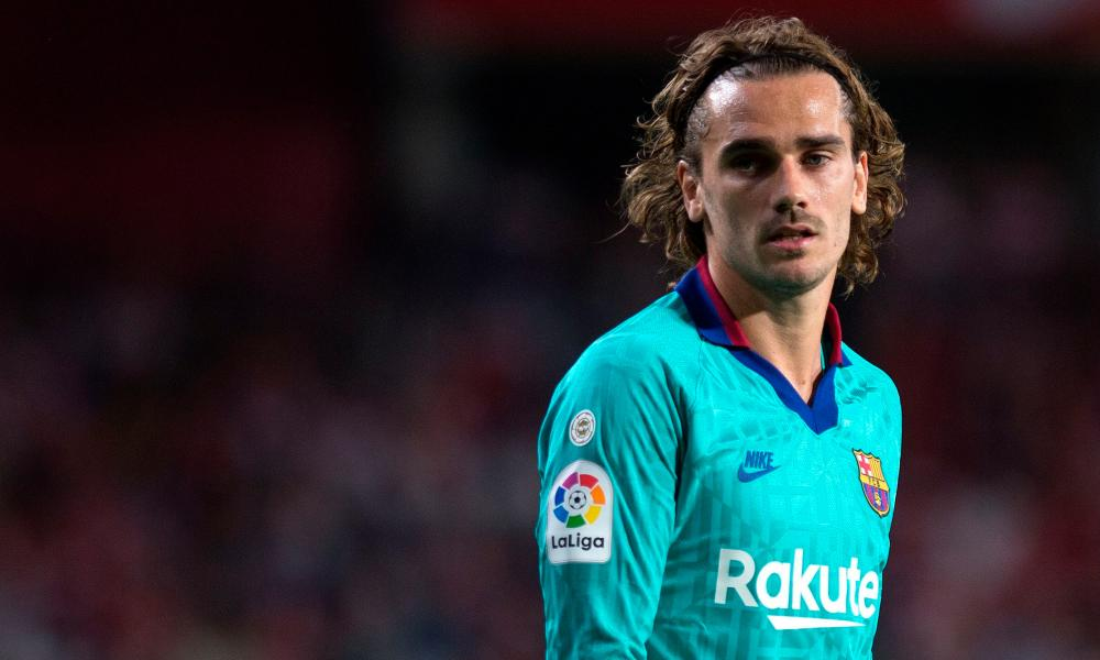 Barcelona's Antoine Griezmann has received a cold welcome from some team-mates since arriving from Atlético Madrid.