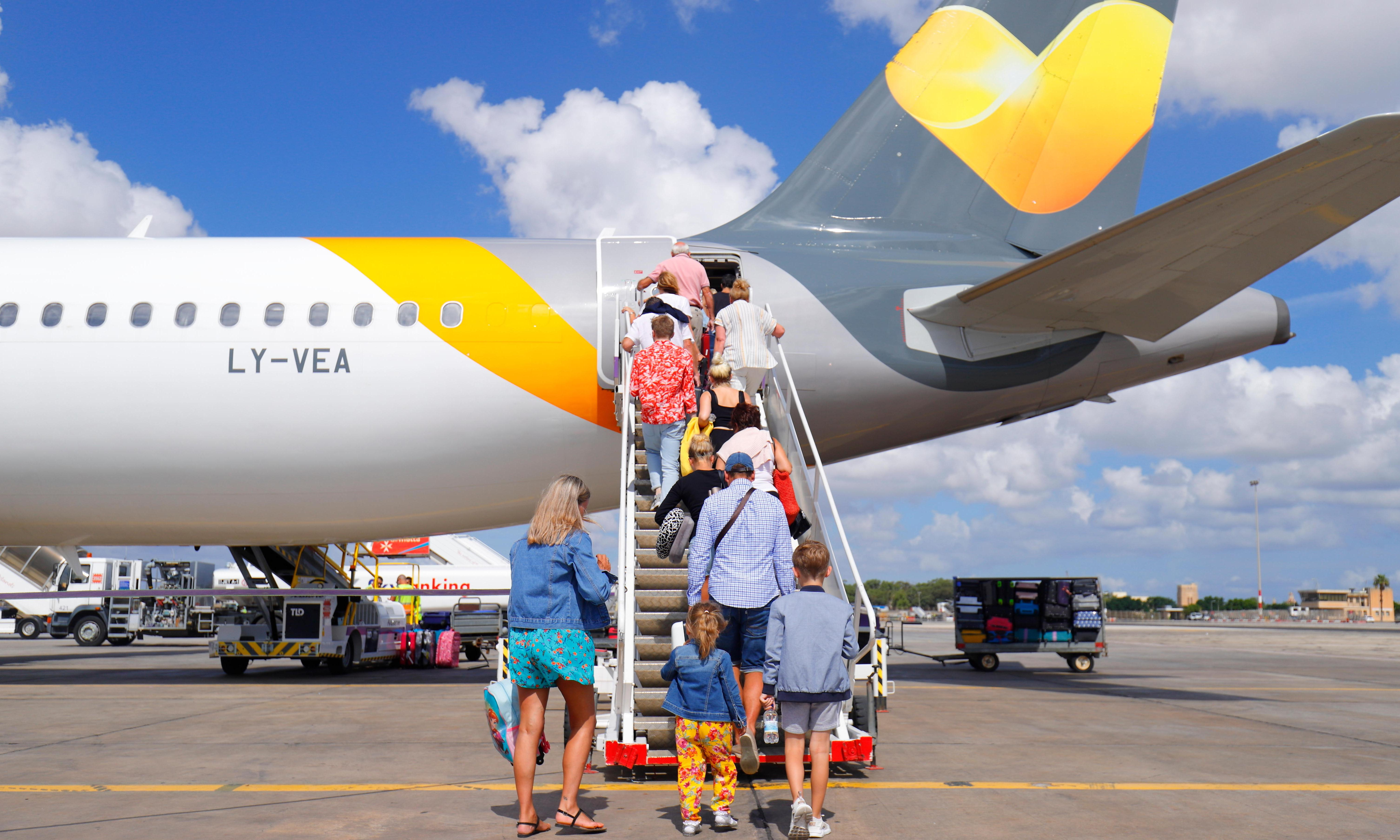Thomas Cook: plans made for biggest UK peacetime repatriation