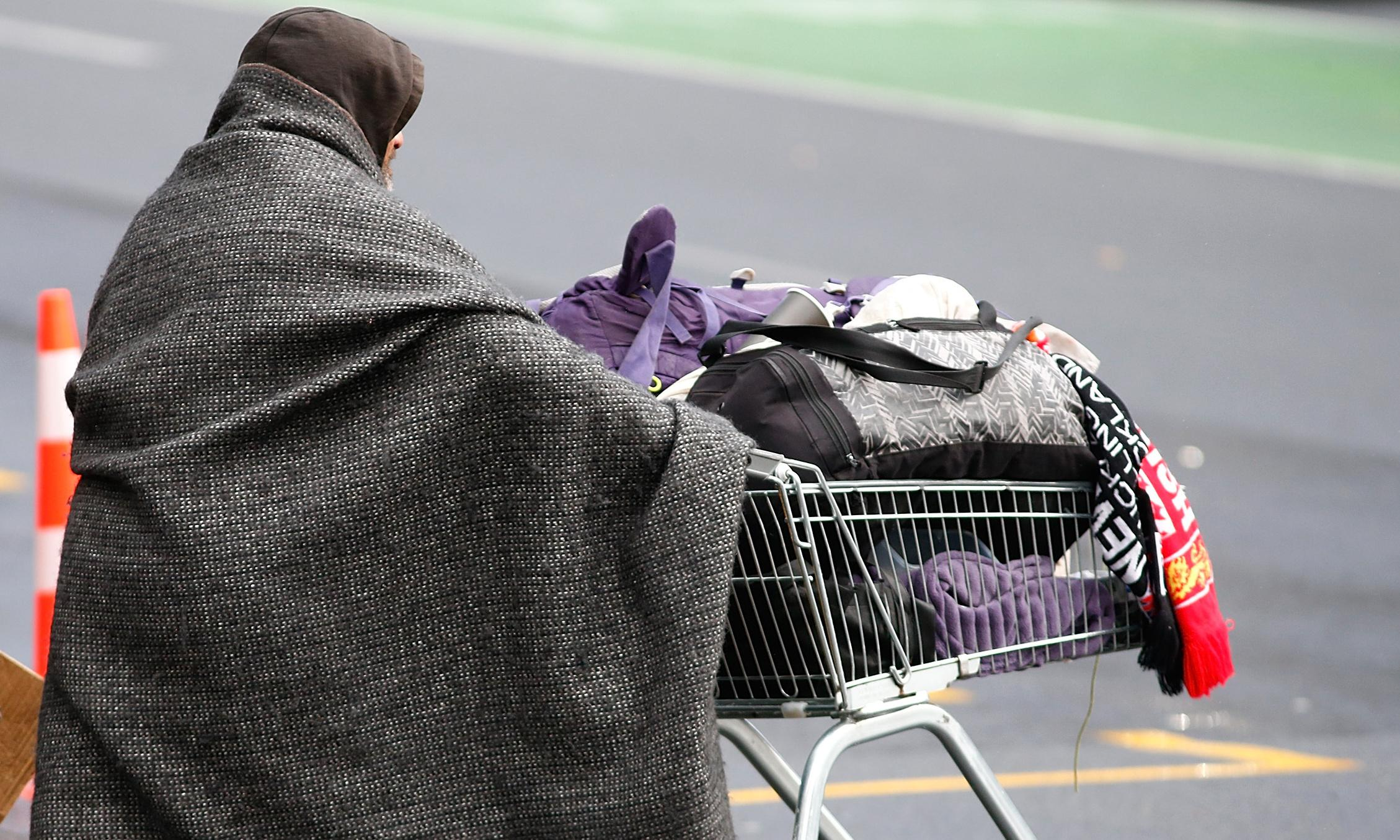 Poverty 'entrenched' in New Zealand despite progress on social issues - report