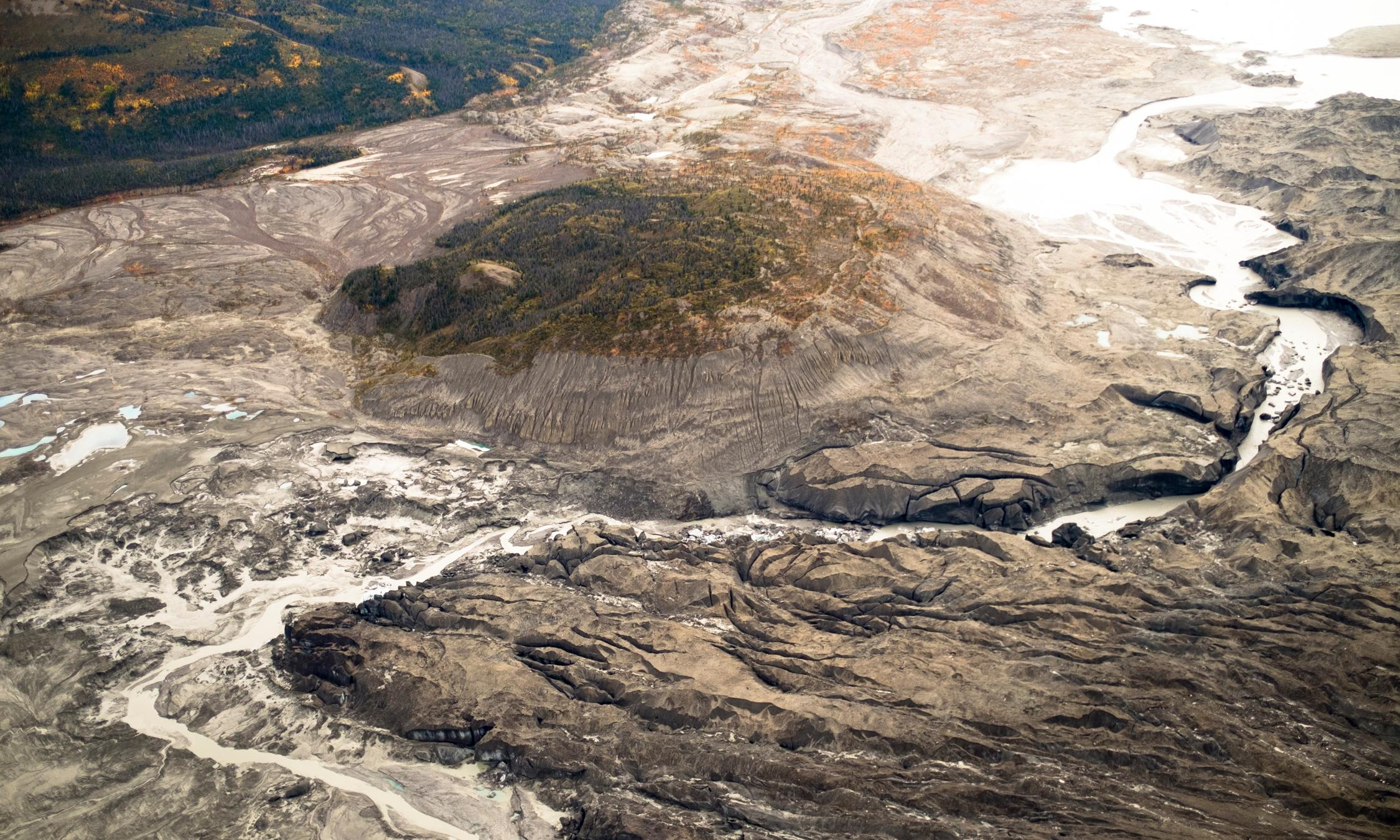 Receding glacier causes immense Canadian river to vanish in four days
