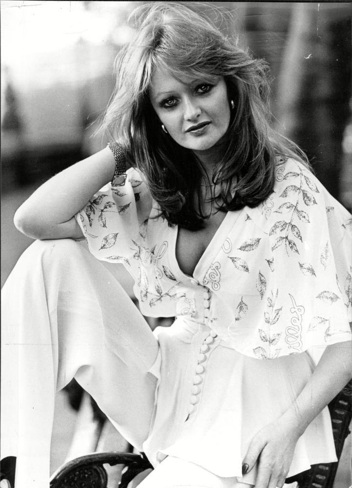 Bonnie Tyler foresees her festival fashion.