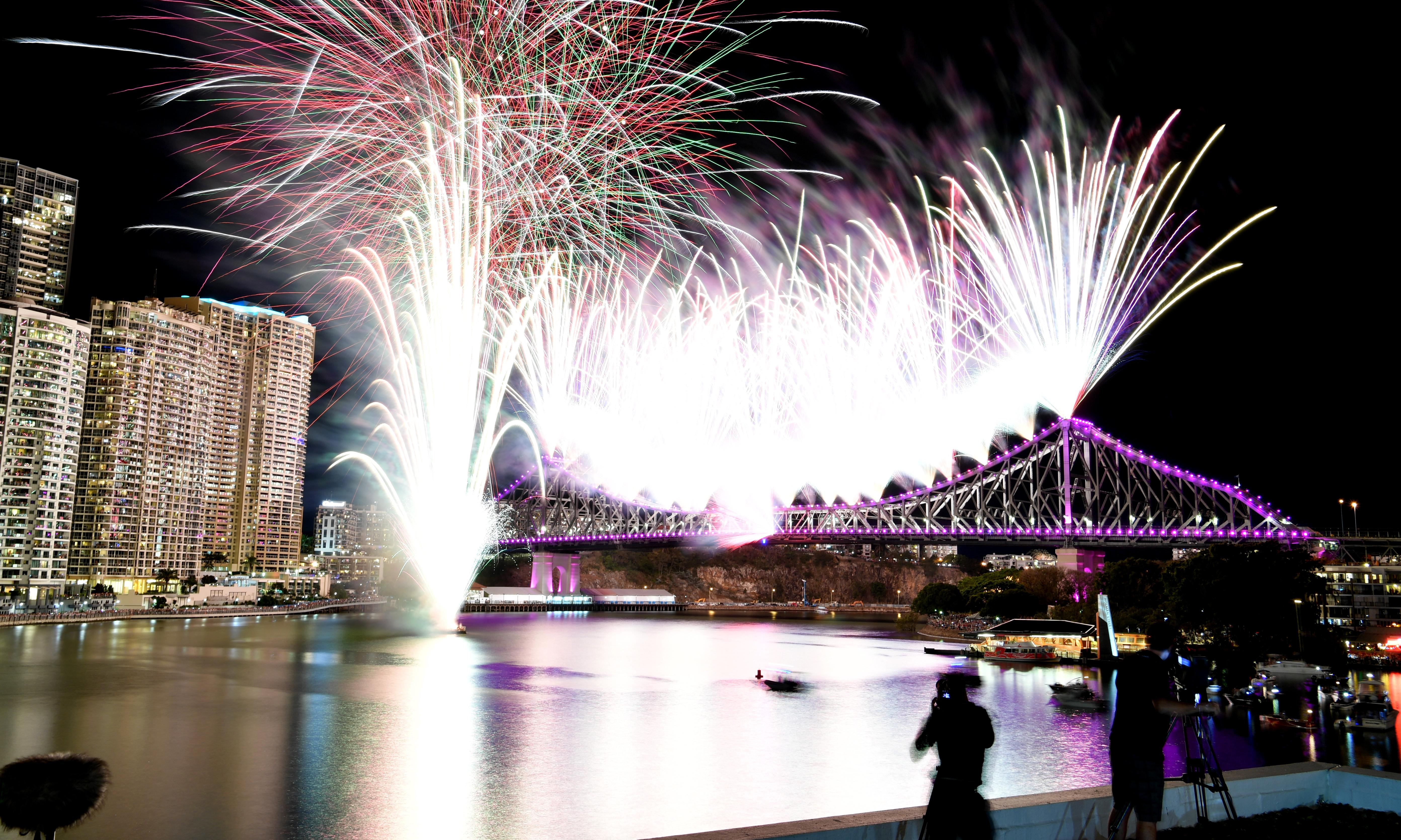 Riverfire: Brisbane festival refuses to cancel fireworks extravaganza in wake of bushfires