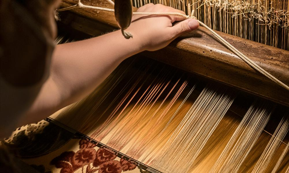 Loom with a view: creating the material for the Baguette Veneto Bevilacqua.