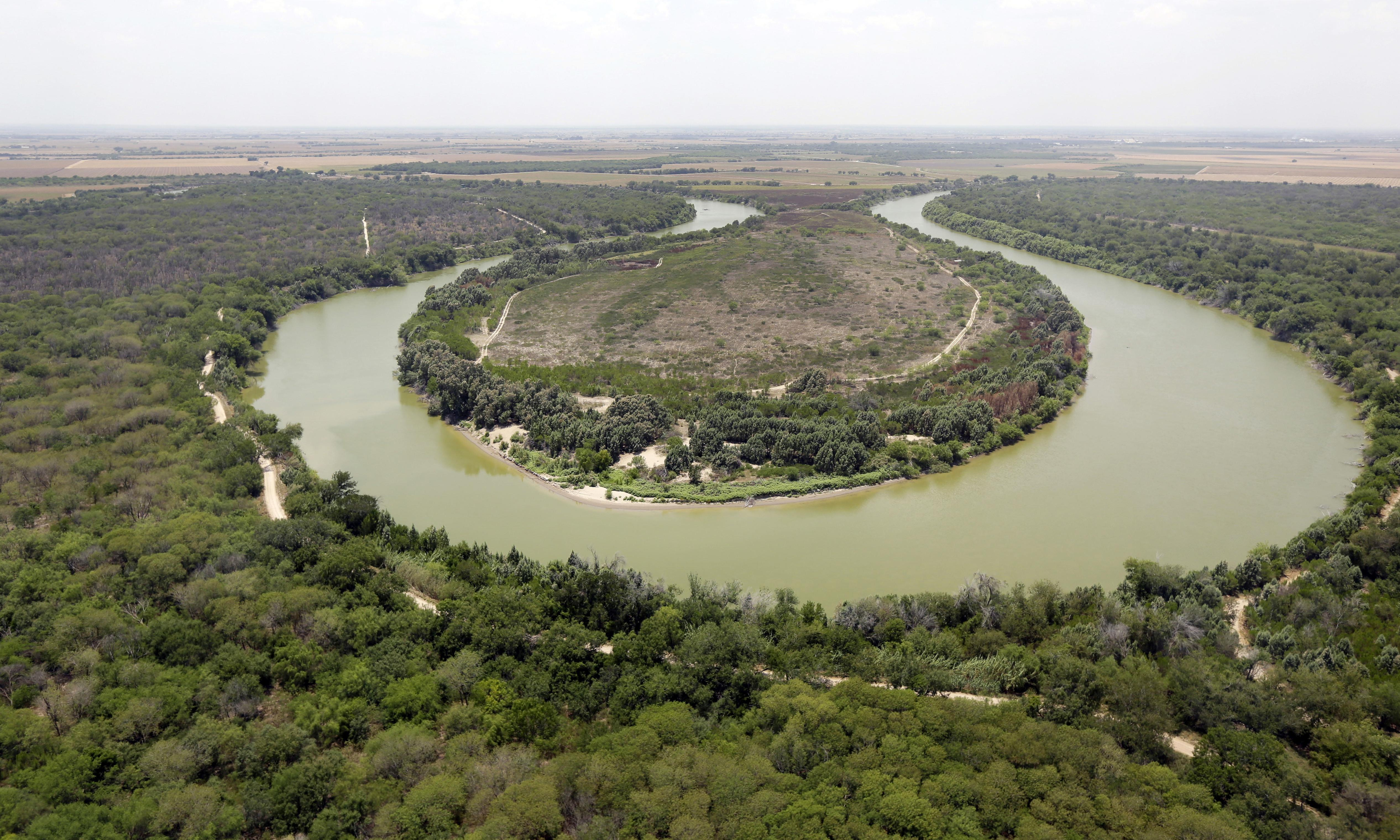 Border patrol finds four bodies near US-Mexico border in Texas