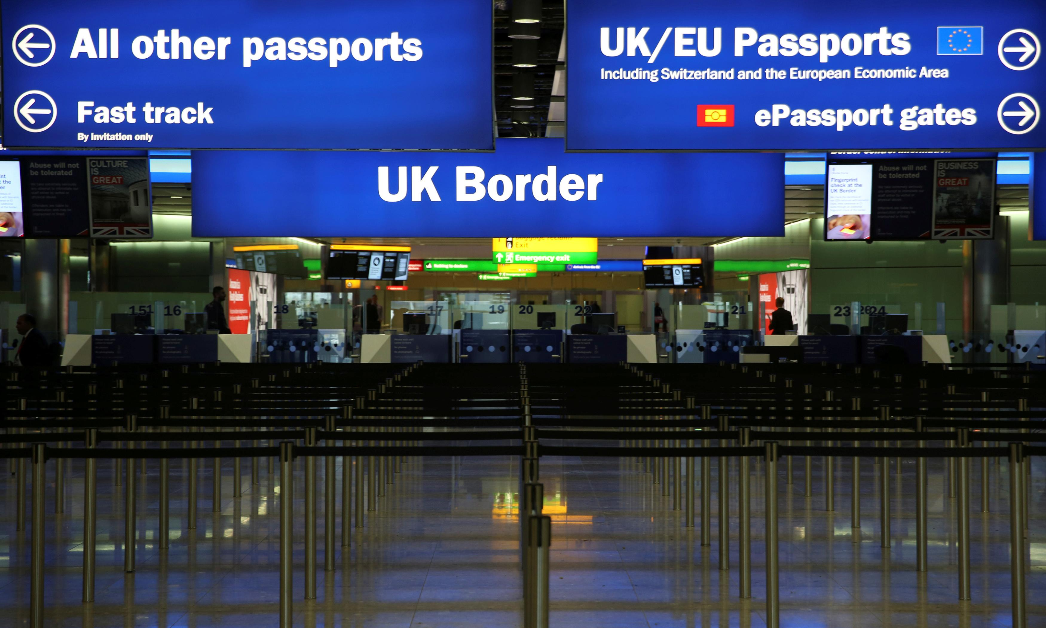 Migration committee rejects full points-based system for UK
