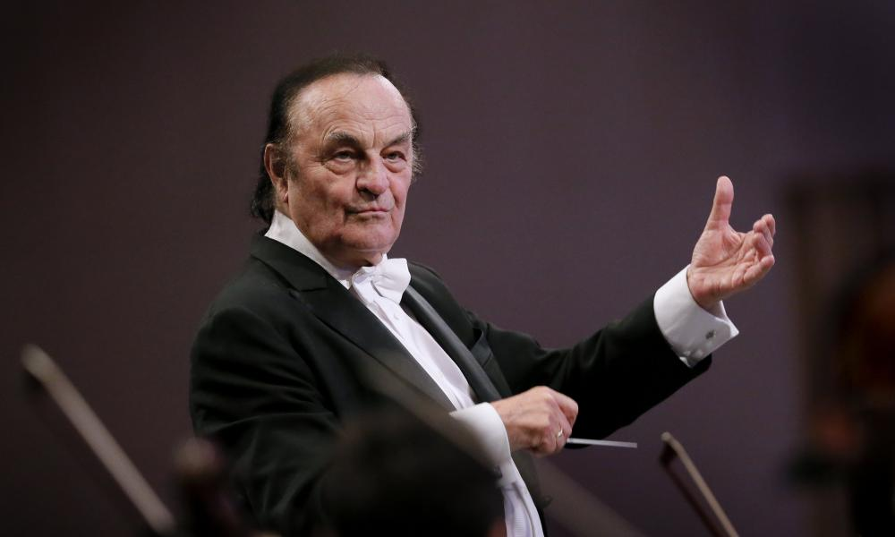 Charles Dutoit conducts the Royal Philharmonic