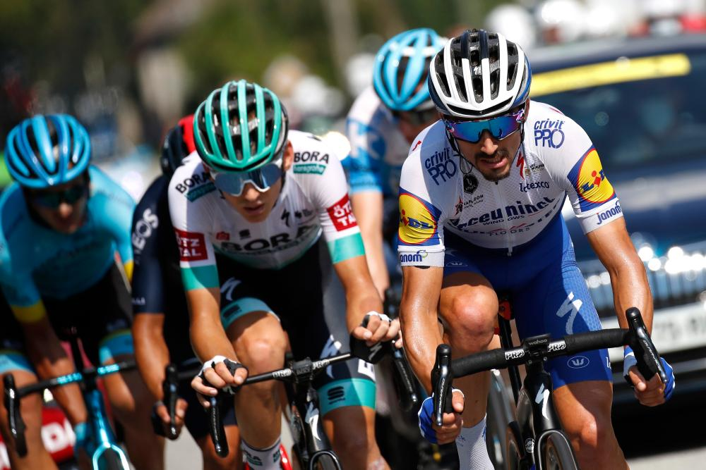 Alaphilippe in action.