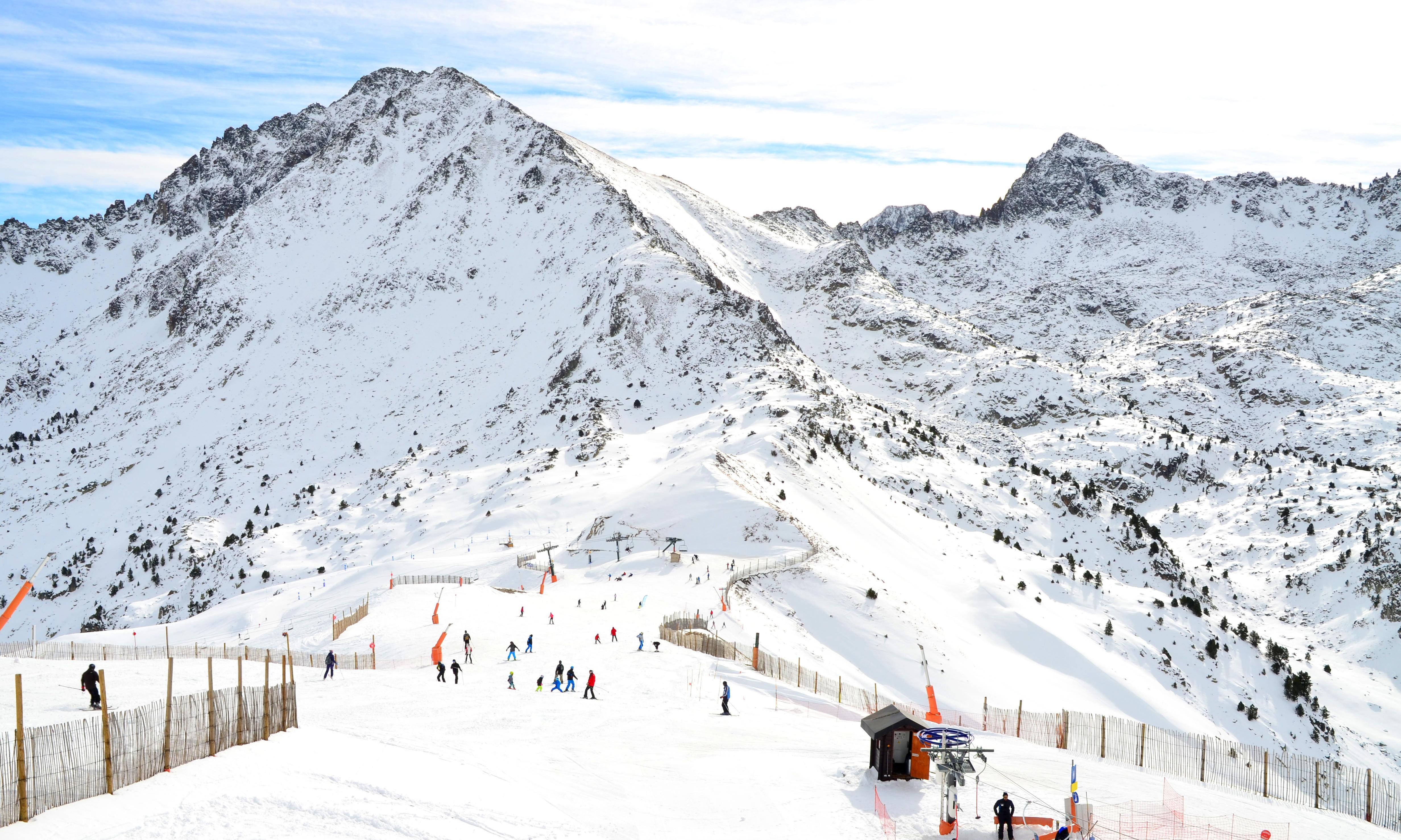 British man dies after snowboarding crash at Andorra ski resort
