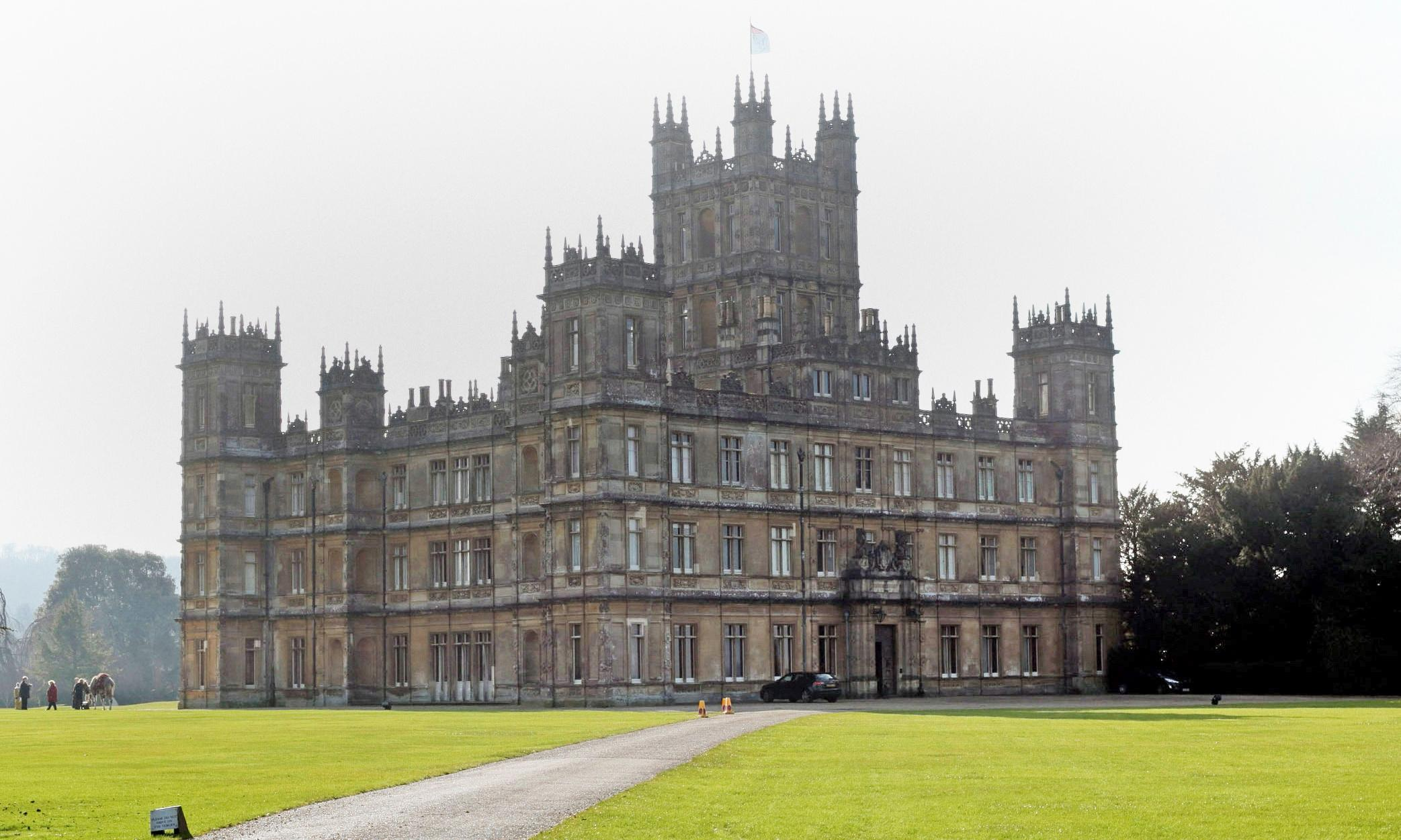 Live like a lord and lady: 'Downton Abbey' is listed on Airbnb