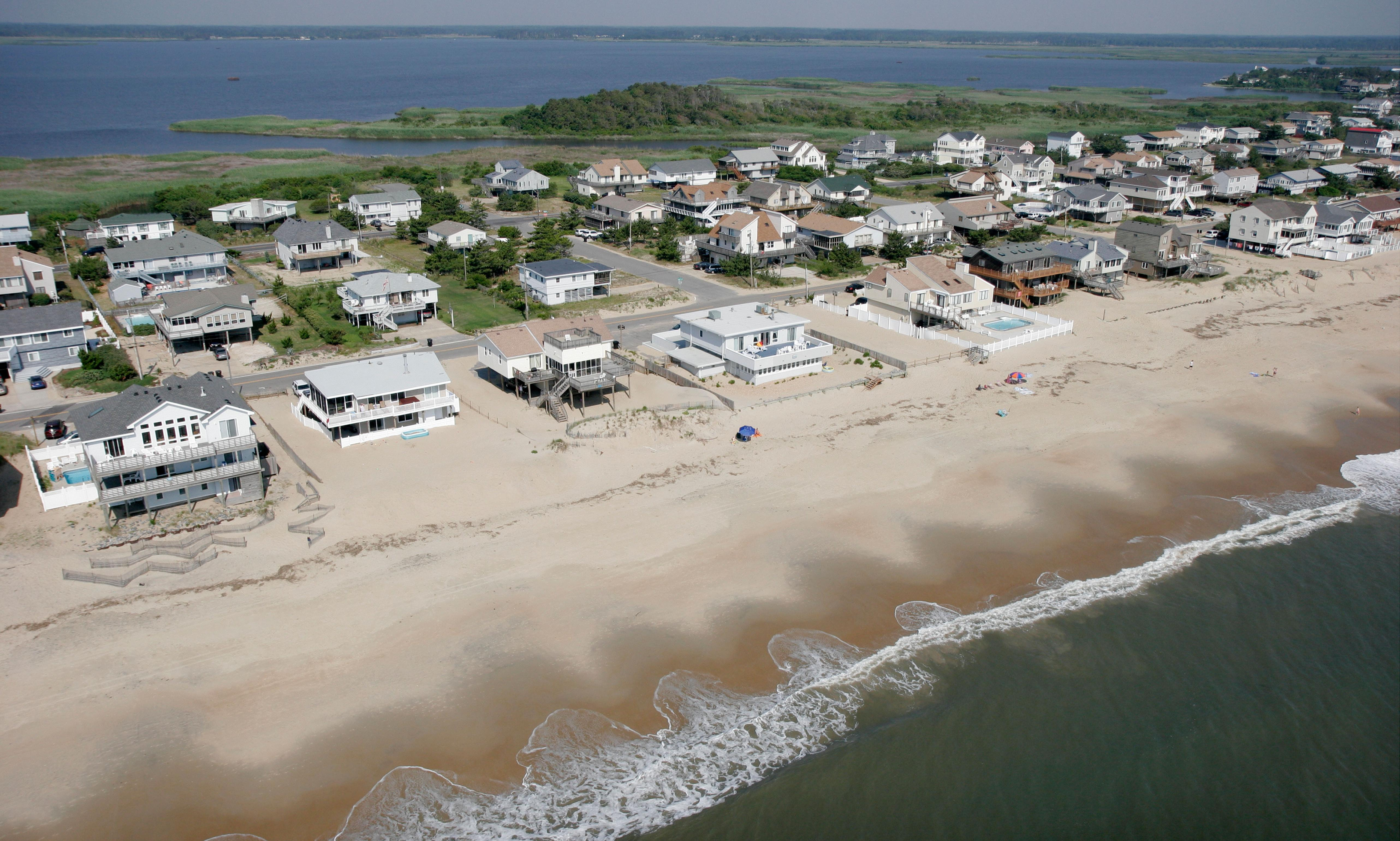 Flooding from sea level rise threatens over 300,000 US coastal homes – study