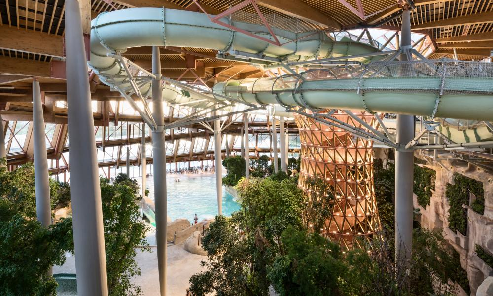 Disney goes eco the new holiday resort near disneyland for Piscine village nature