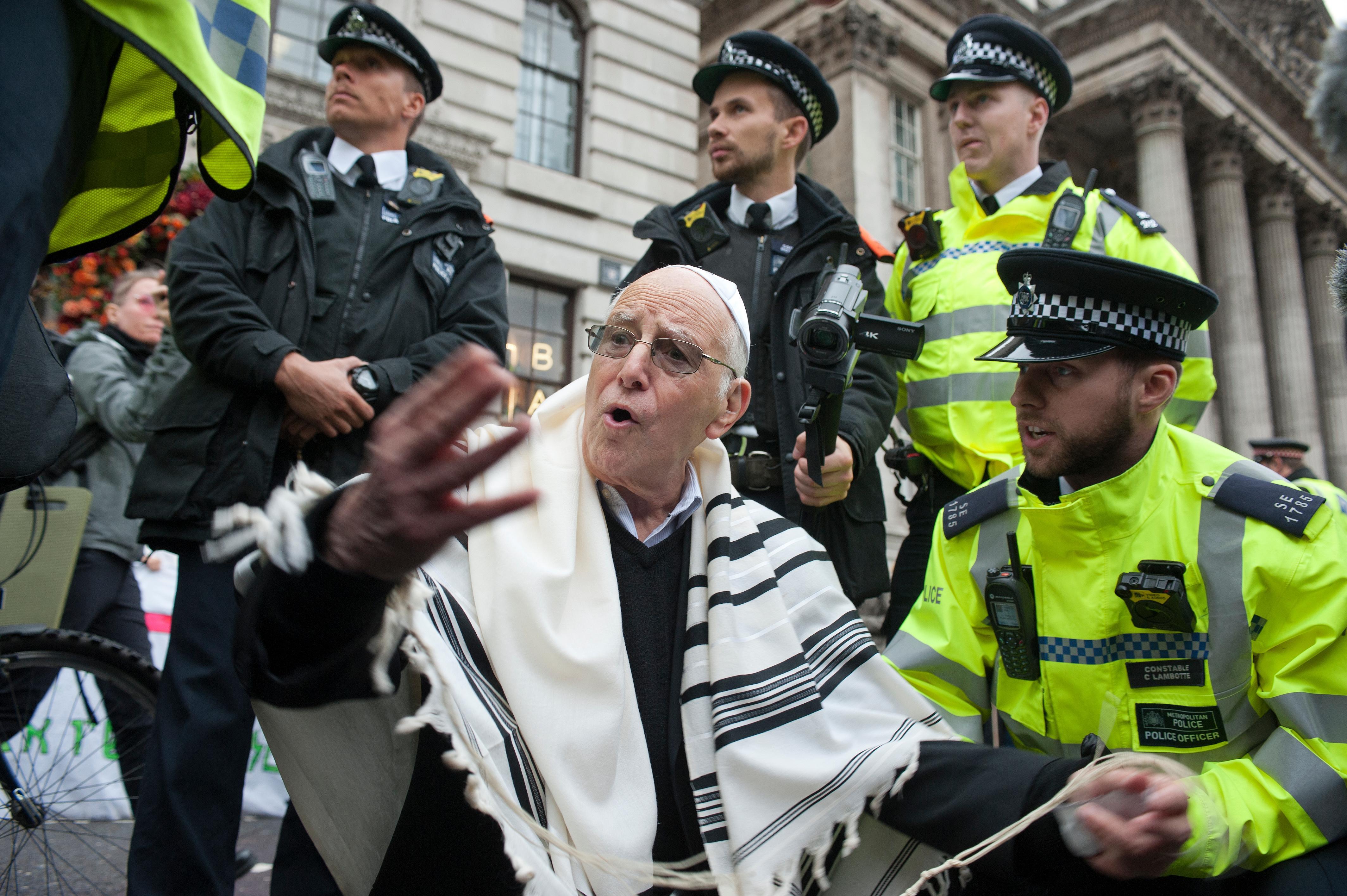 Extinction Rebellion activists arrested at Bank of England protest