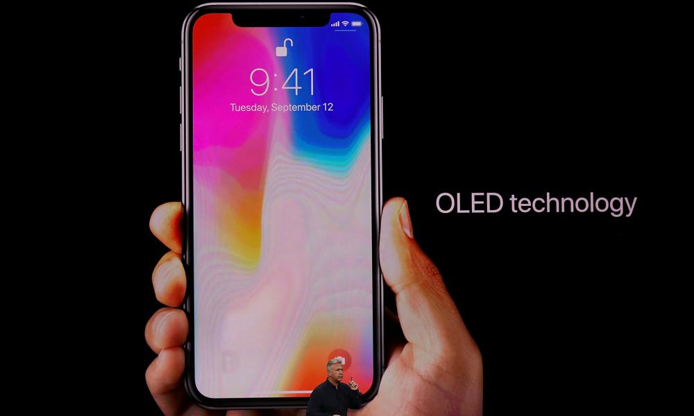 Ang iPhone X ay may bagong OLED screen.