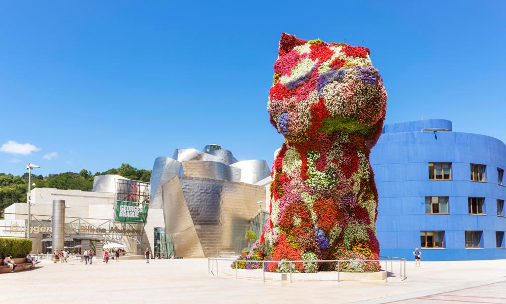 Jeff Koons' Puppy, at the Guggenheim Museum, Bilbao.