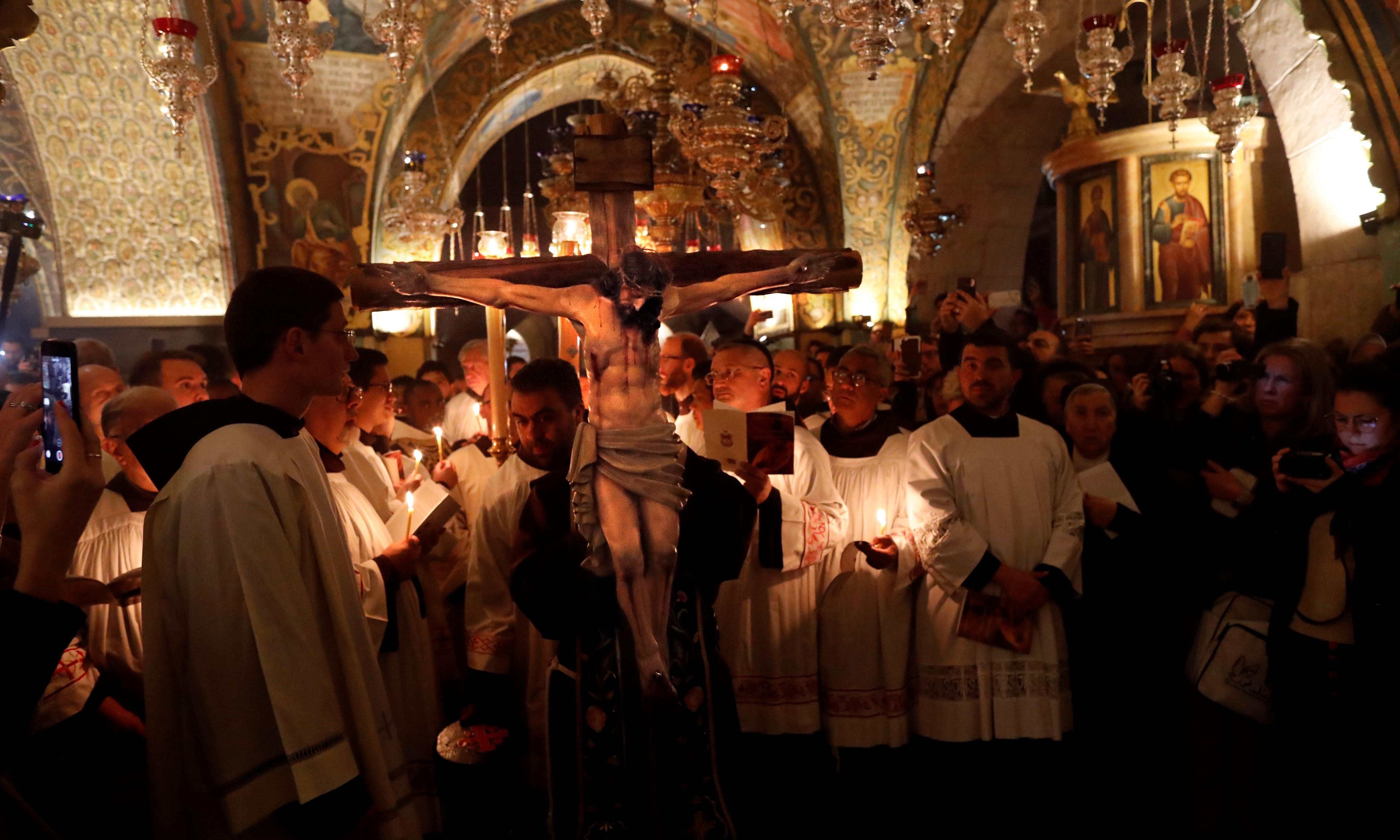Gaza Christians wait for permits to visit Jerusalem and Bethlehem at Easter