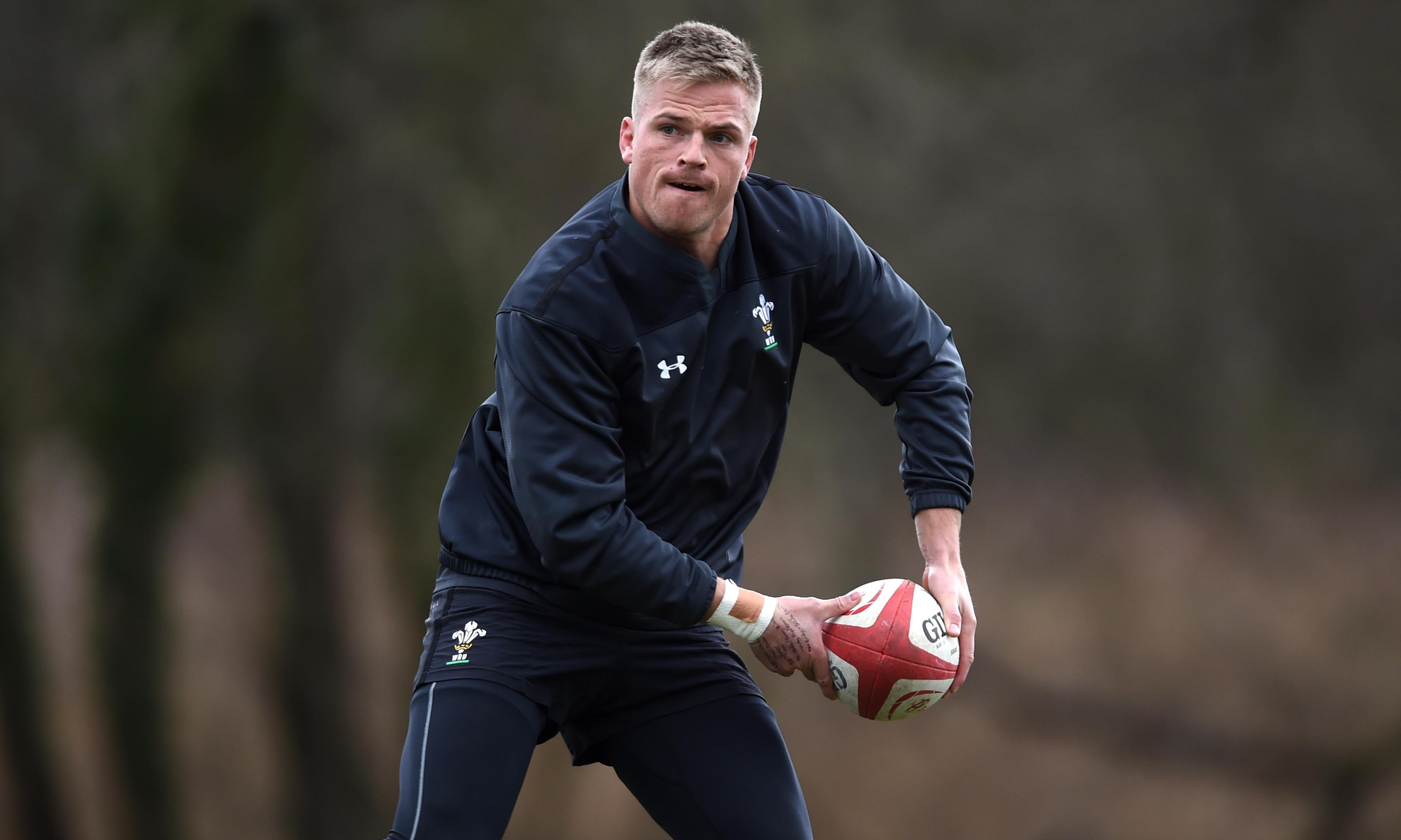 Gareth Anscombe preferred at fly half for Wales's clash with England