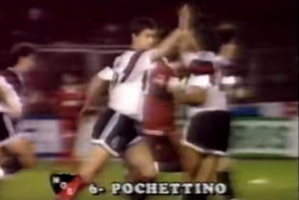 Mauricio Pochettino celebrates his goal for Newell's Old Boys against América de Cali in 1992.