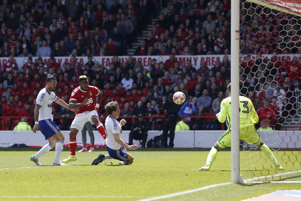 Assombalonga scores the third for Forest.