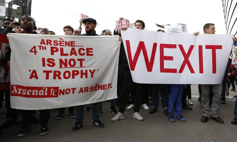 Arsenal fans ahead of the game call for Arsène Wenger to step down. Or, if you prefer, to 'Wexit'.