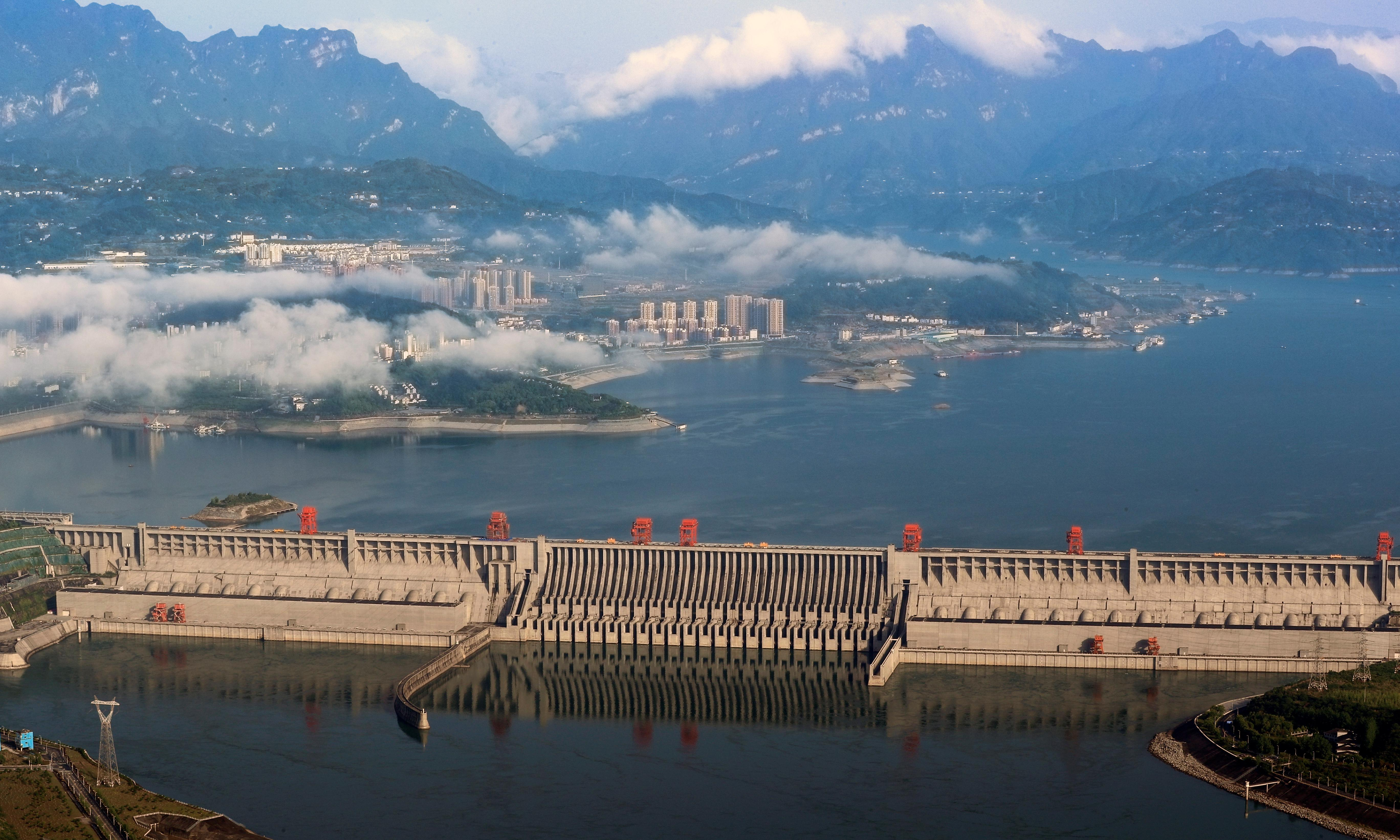 Only a third of world's great rivers remain free flowing, analysis finds