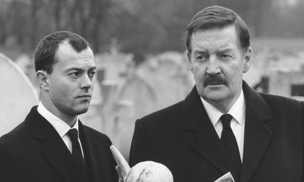 Keith Allen as Thompson and Ray McAnallay as Harry Perkins