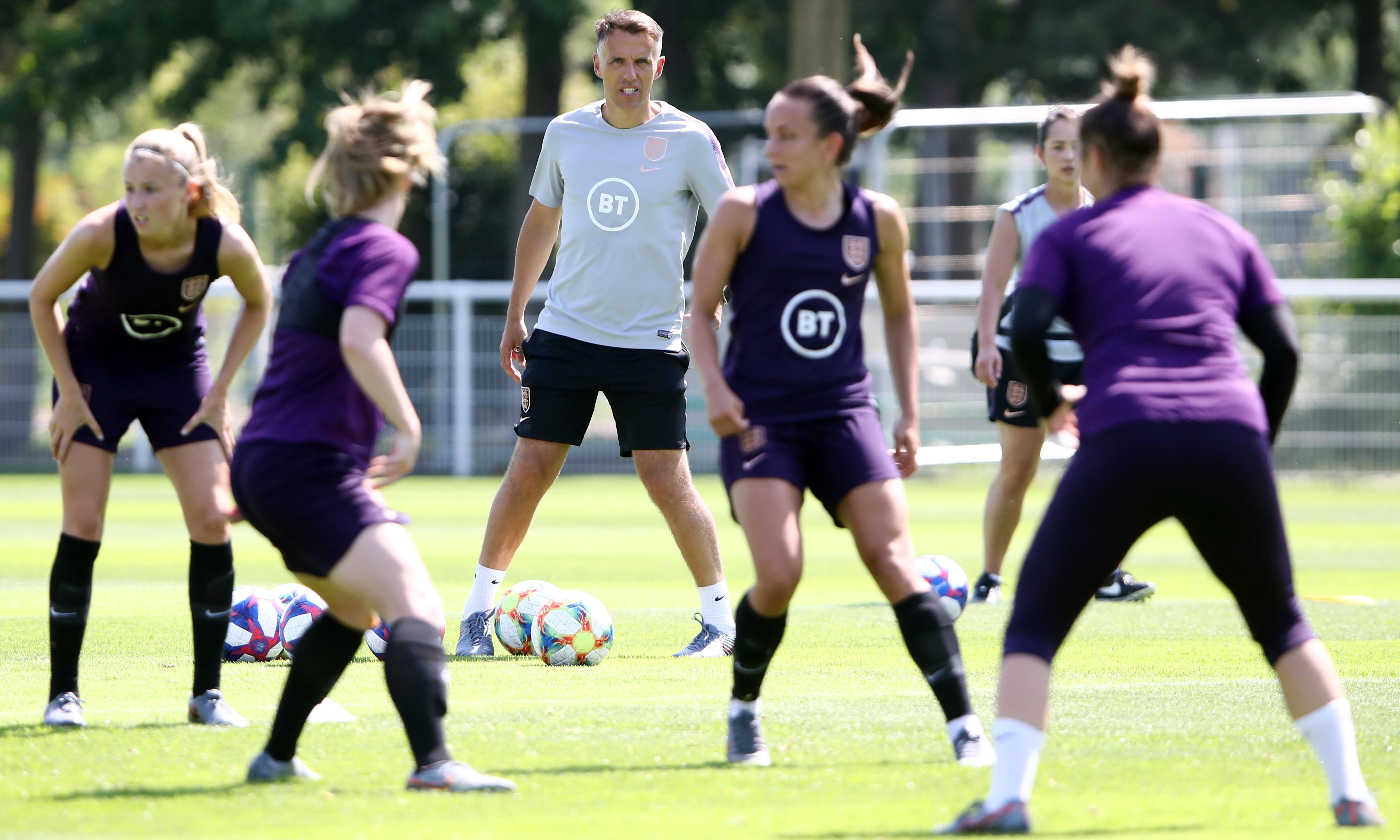 England and Neville face Norway test amid heatwave and a dodgy haircut