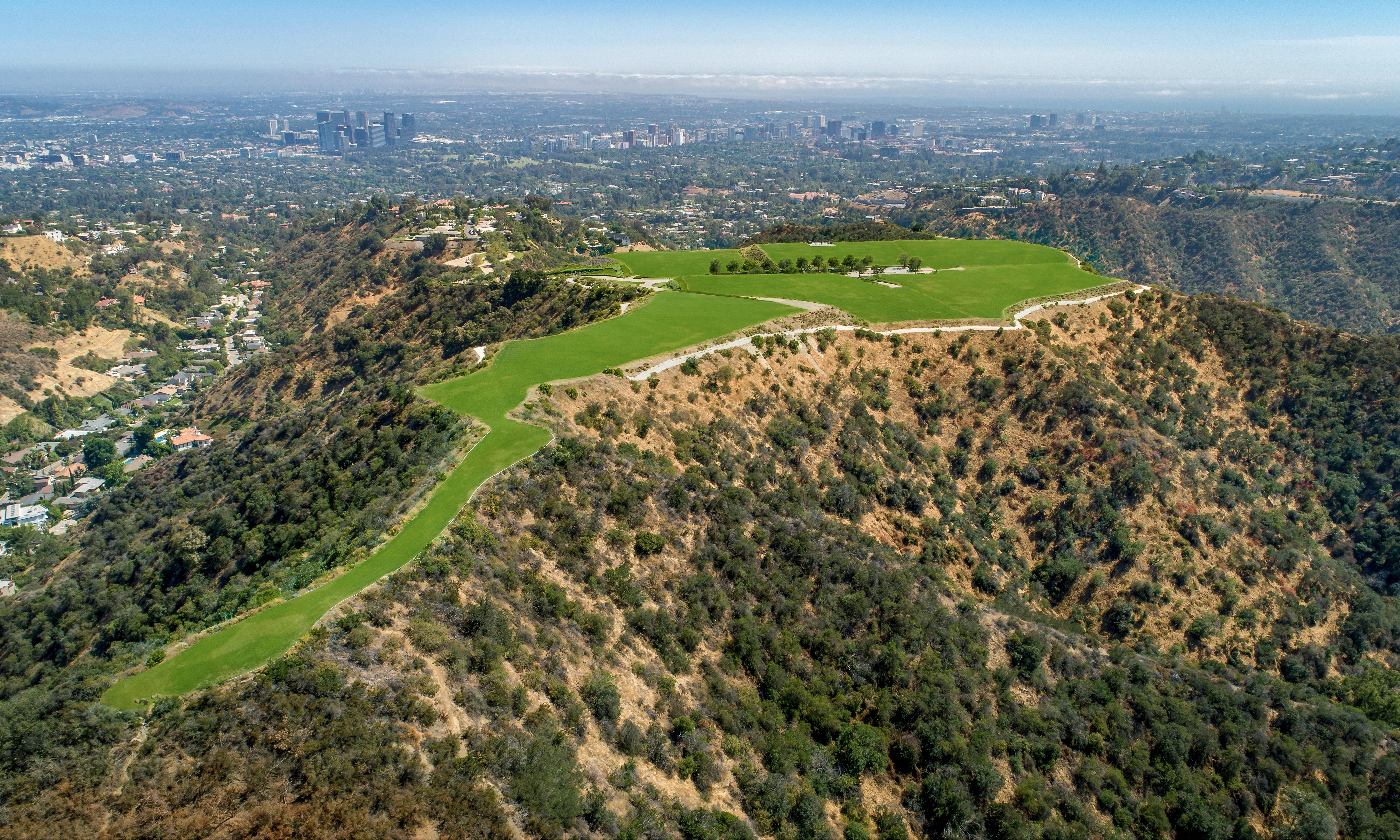 No Hollywood ending: Los Angeles property listed for $1bn sells at $100,000