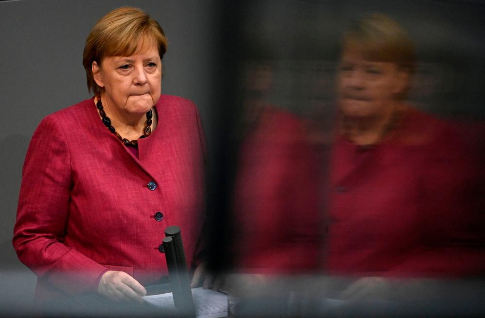 Angela Merkel speaks at the Bundestag.