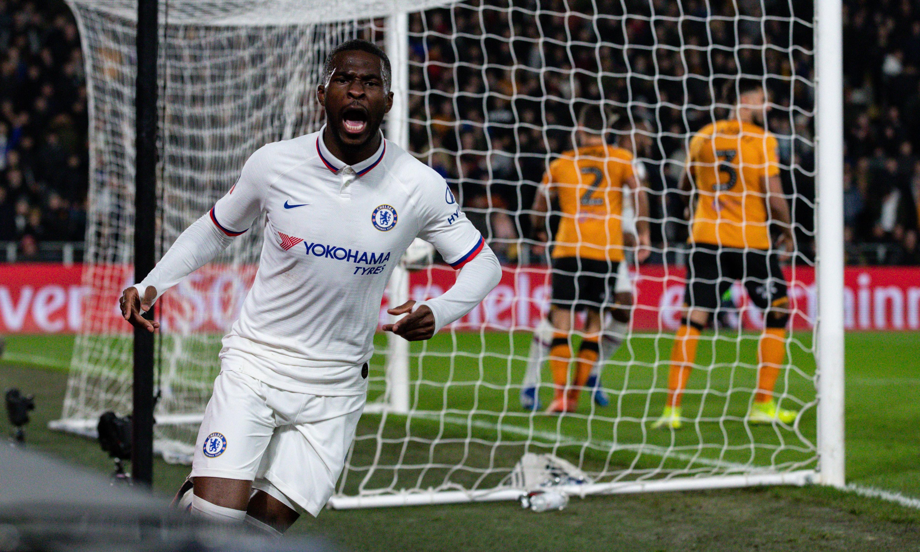 Michy Batshuayi takes his chance in Chelsea's nervy win at Hull