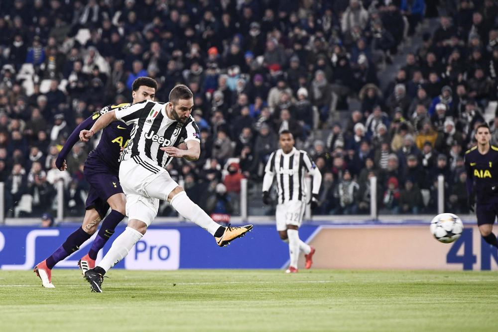 Gonzalo Higuaín exhibits poise and precision to fire Juventus into a second-minute lead.