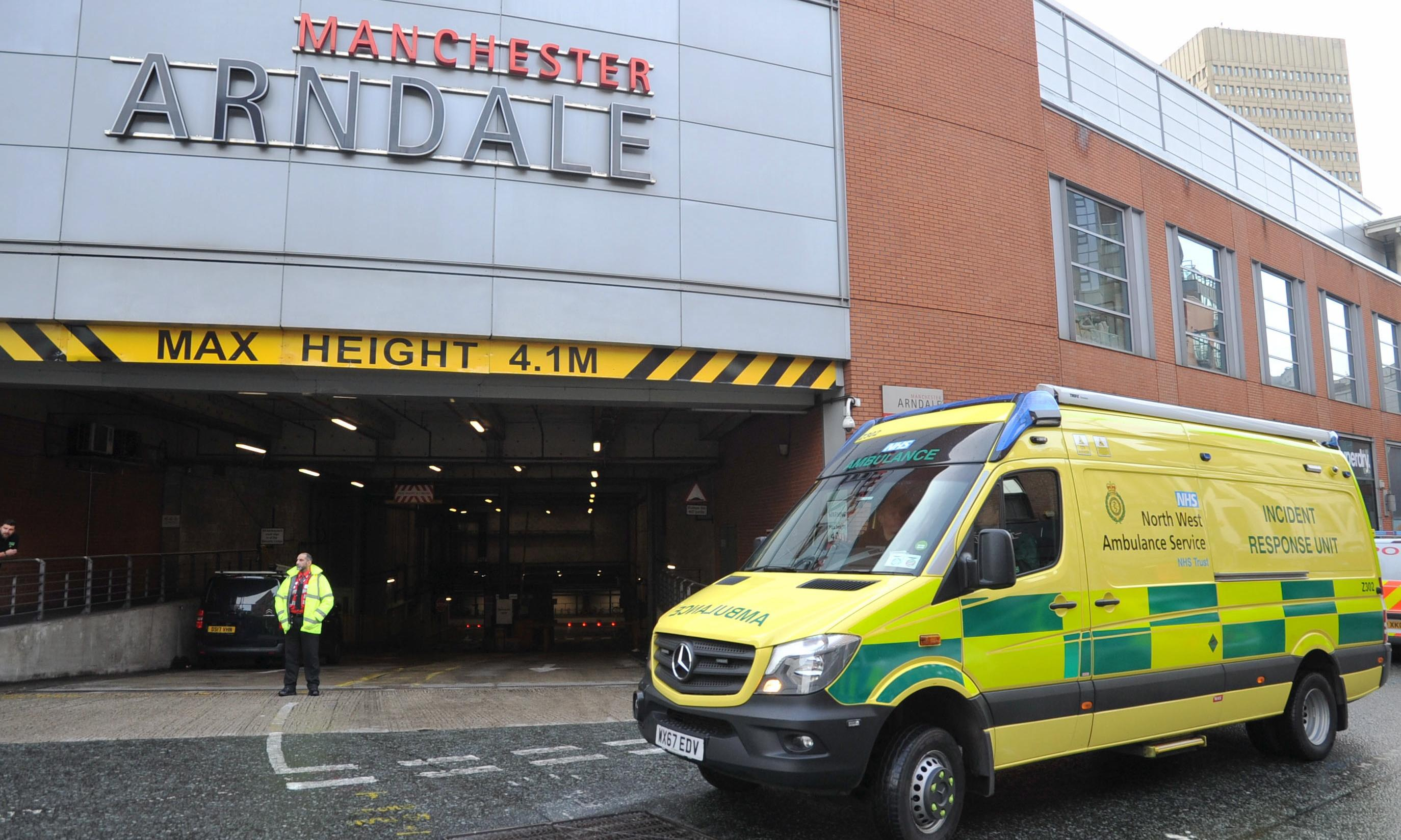 One arrest after reports of knifeman at Arndale centre in Manchester
