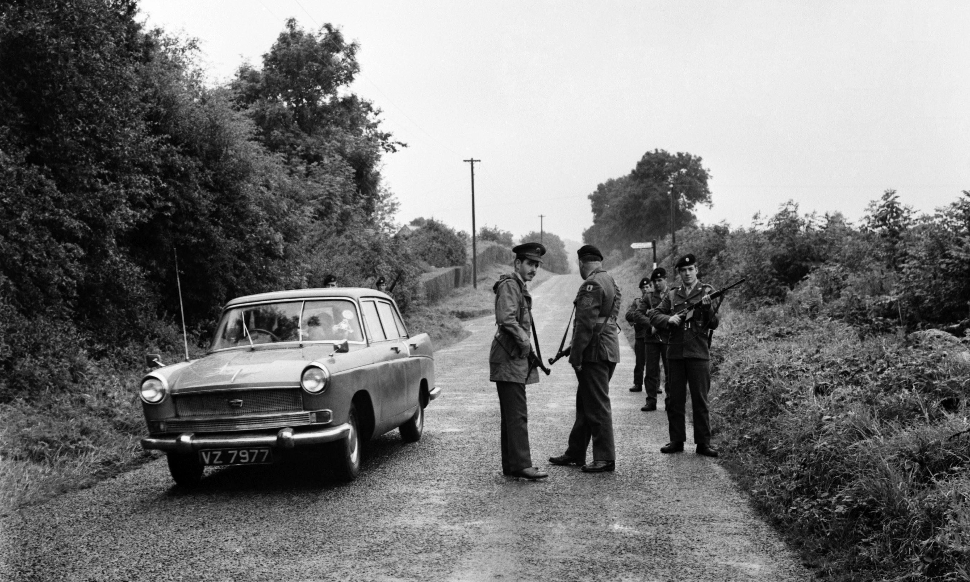 The Border by Diarmaid Ferriter review – the bloody road to the backstop