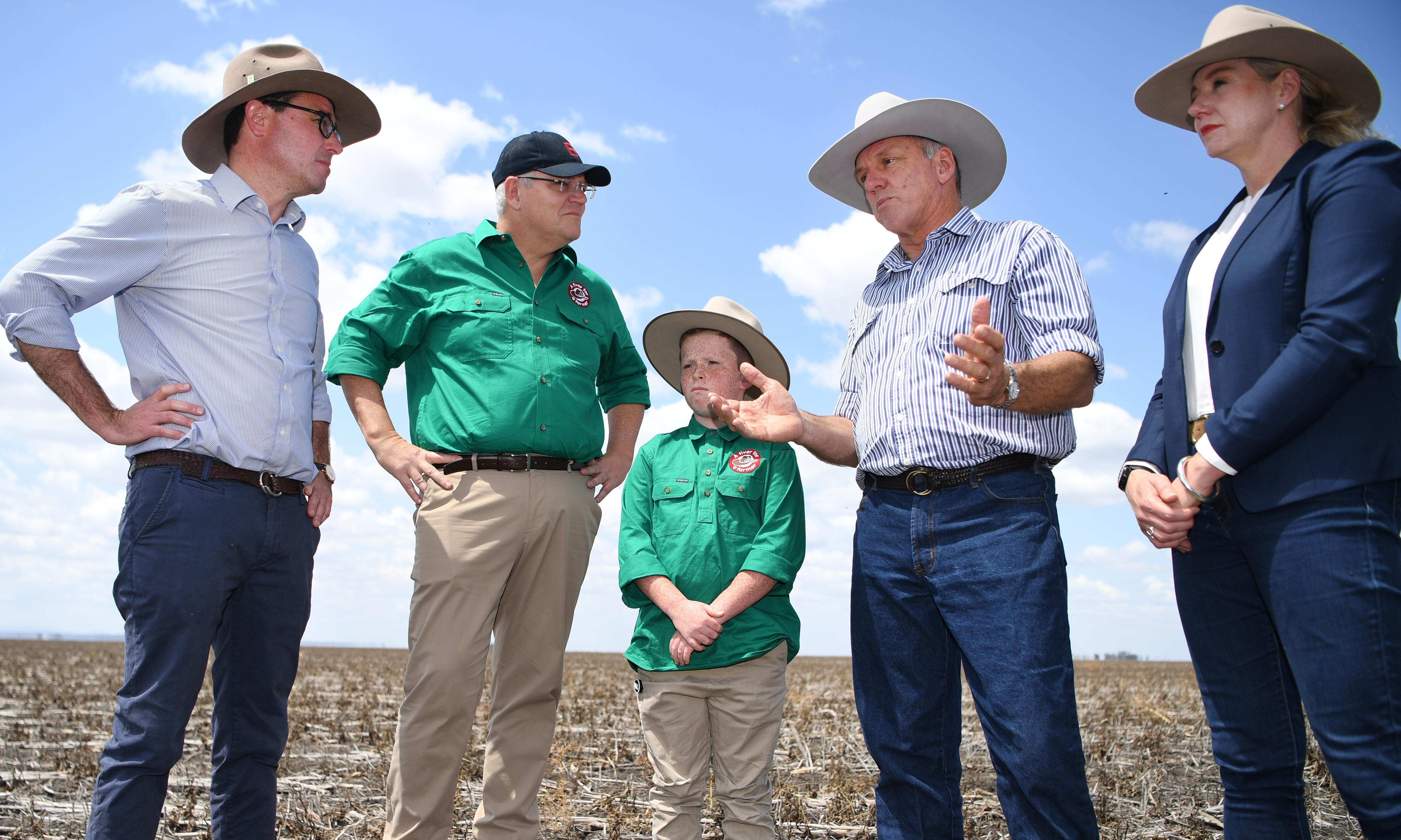 Drought-hit farmers ask government to help pay council rates and offer exit packages