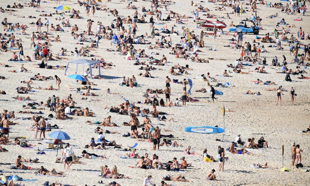 A busy Bondi beach in Sydney on the weekend. The NSW government has copped criticism from leaders in the city's west as many people there are not able to travel to the beach.