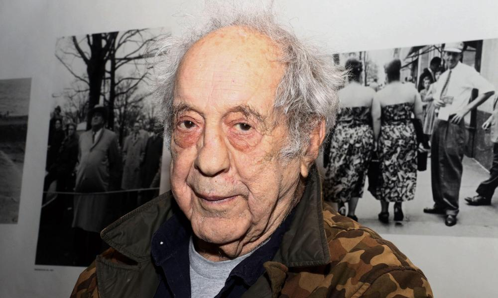 Robert Frank, revolutionary American photographer, dies aged 94