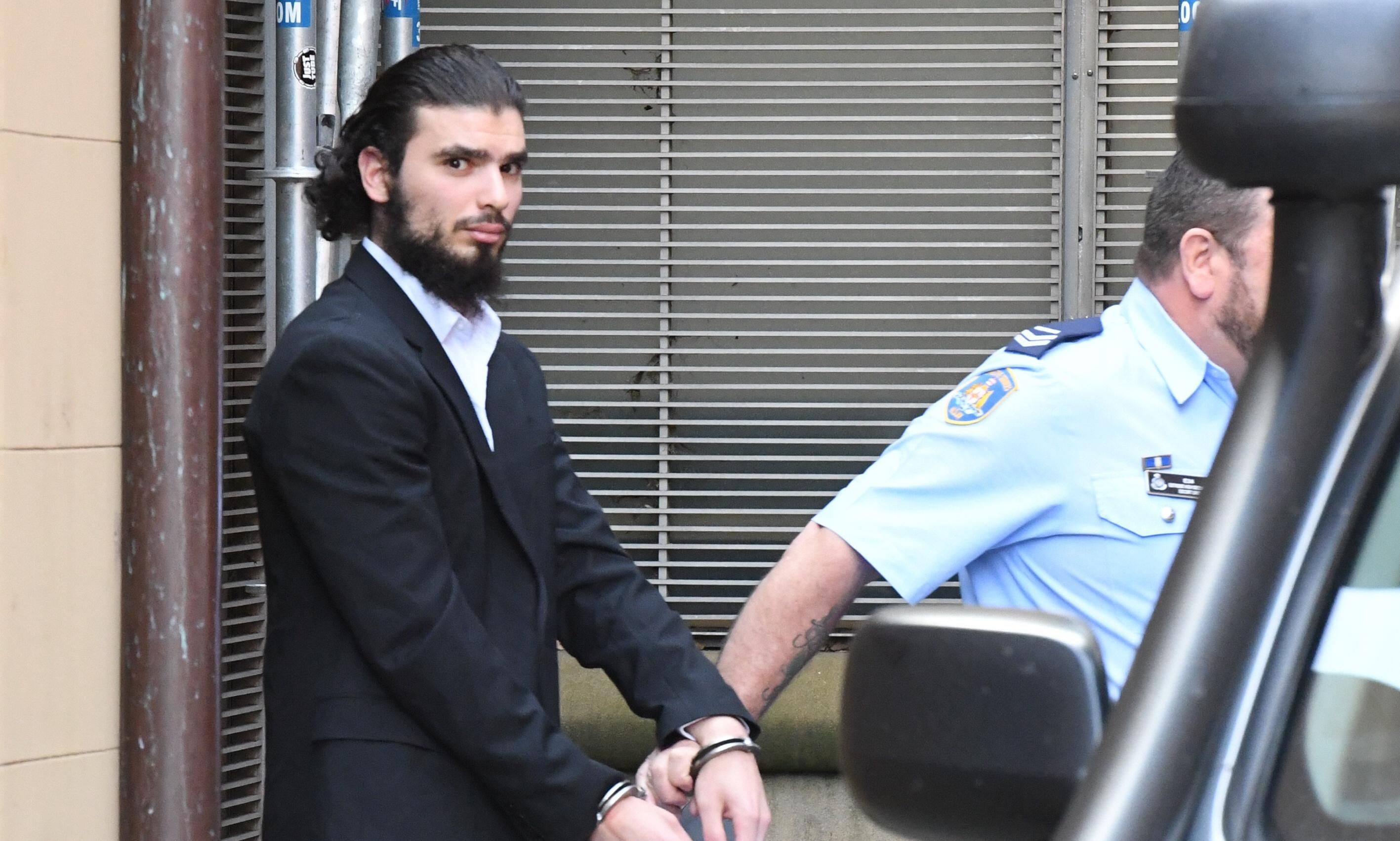 Man stopped at Sydney airport on way to join Isis released on good behaviour bond