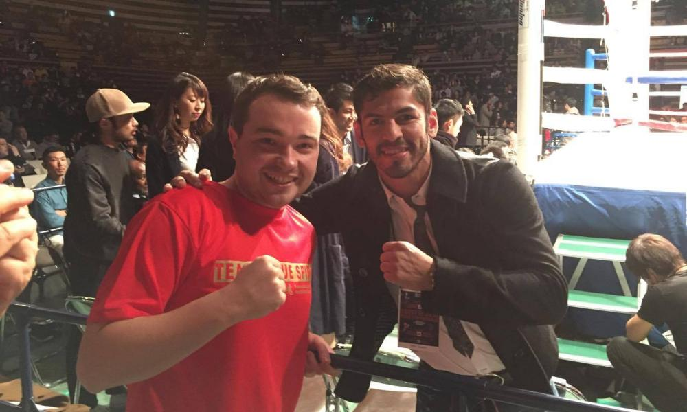 Elliot Morris with world champion, Jorge Linares.