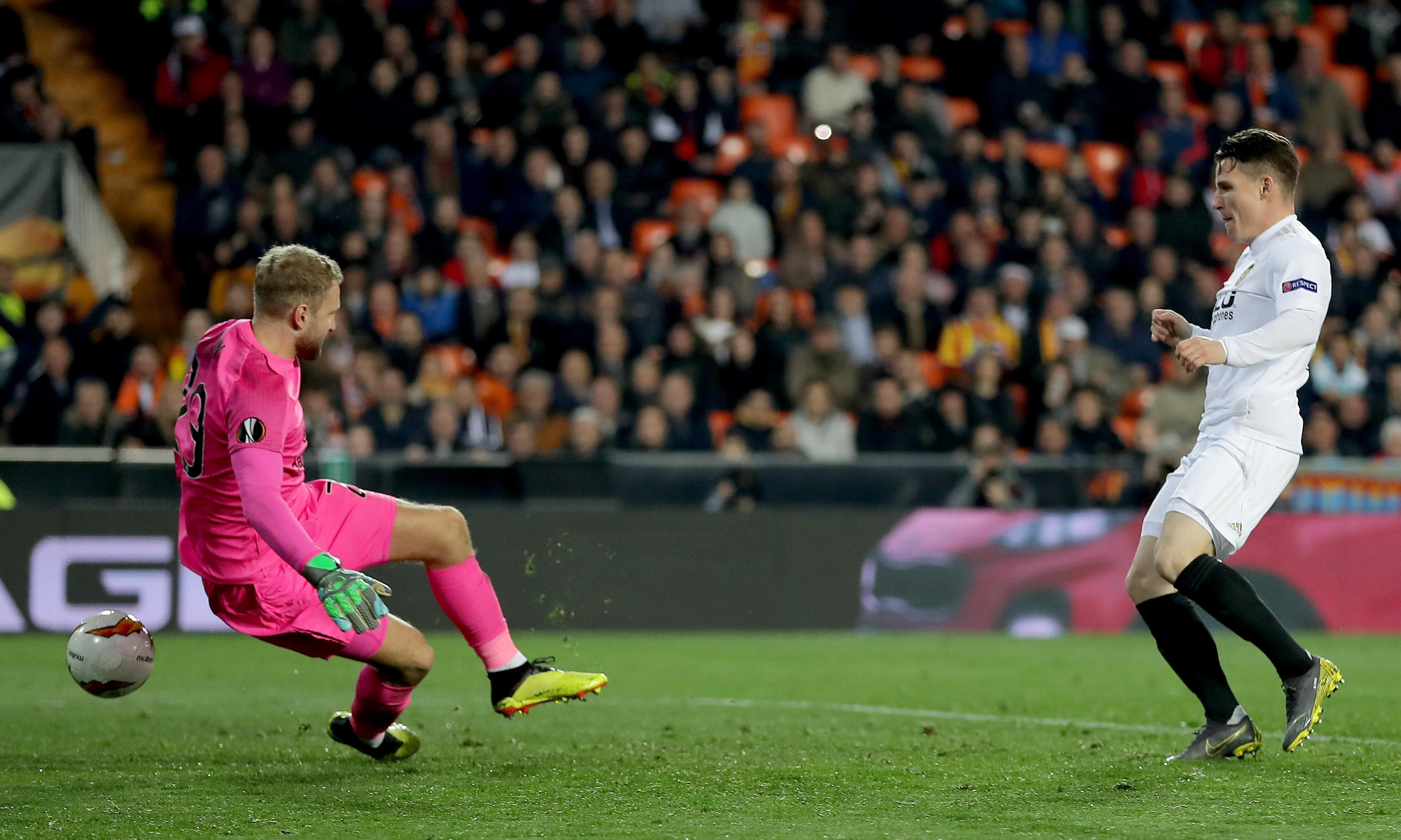 Celtic out of Europe after Toljan red card gives Valencia upper hand and victory