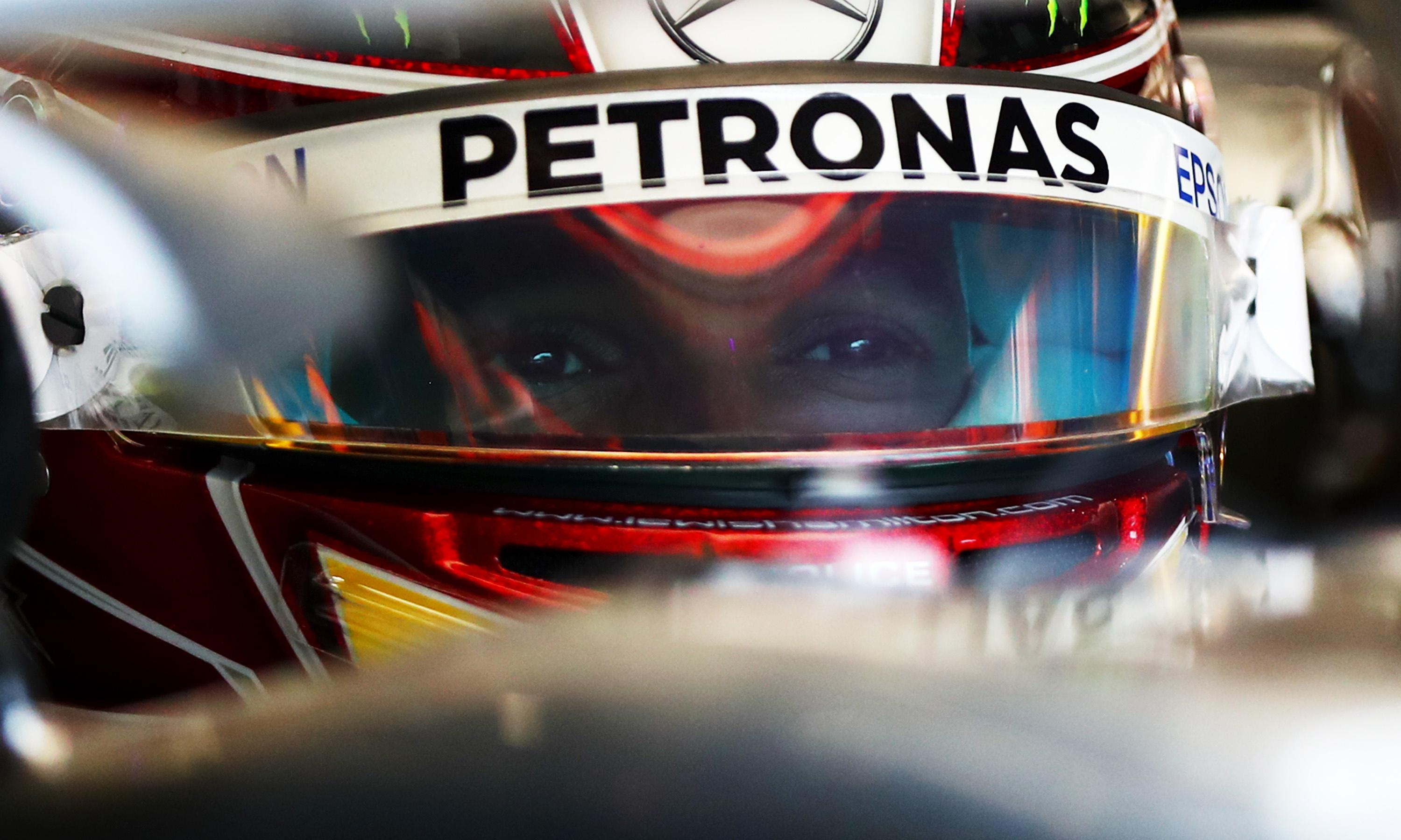 Lewis Hamilton gears up for stressful talks over new Mercedes contract