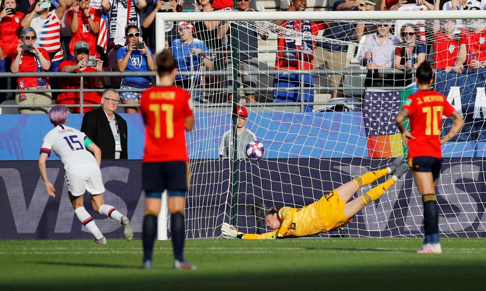 Megan Rapinoe scores her second from the spot.