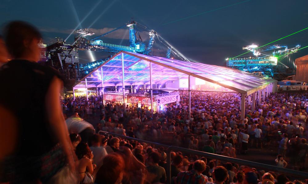Visitors to Melt!' festival in Ferropolis, Germany. Photo: Jens Wolf