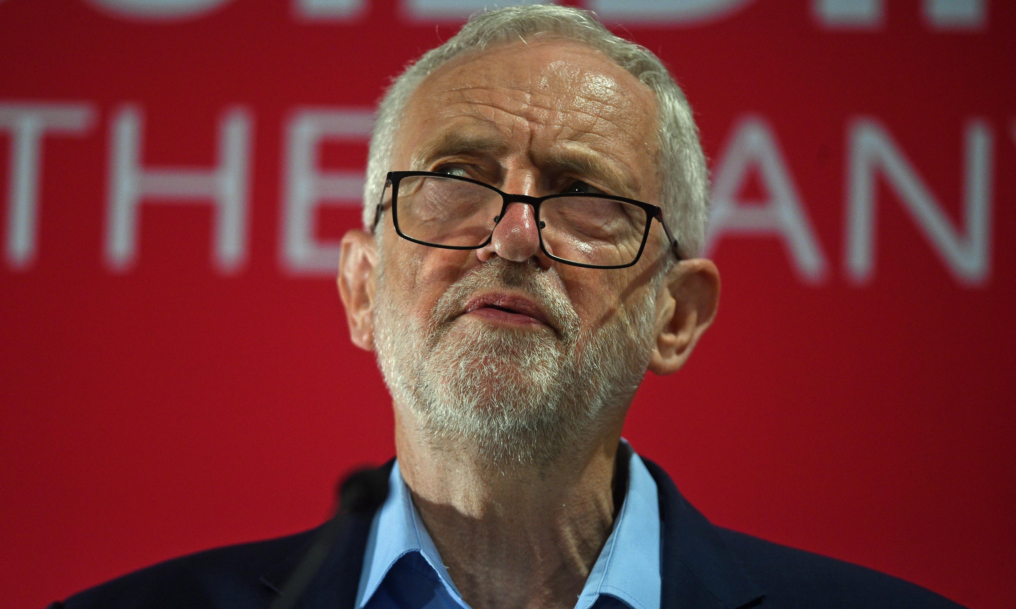 Corbyn under fire from staff and Labour peers over antisemitism