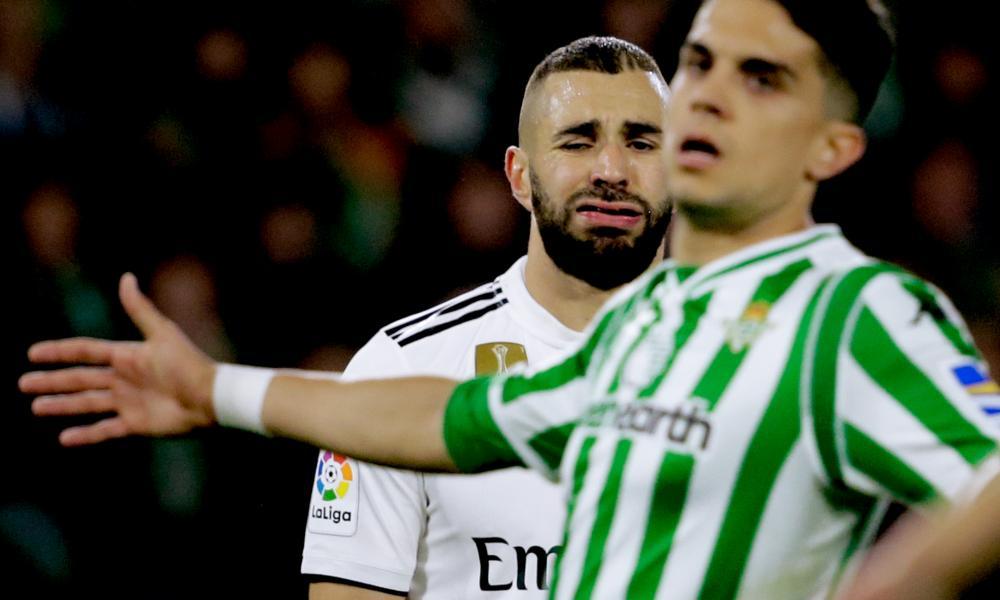 Karim Benzema suffered a finger injury just before the break.