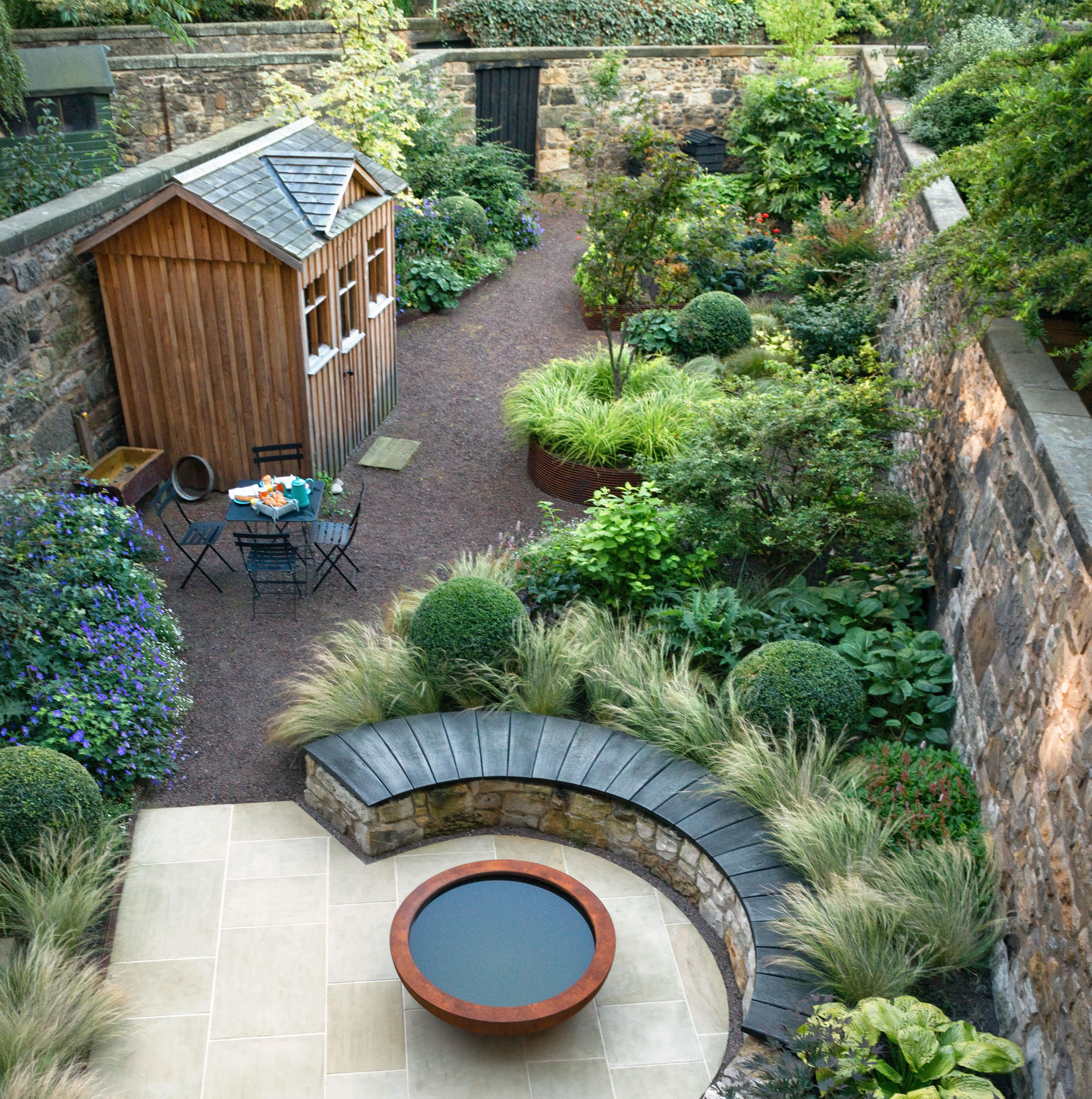 Thin Garden Design: How To Handle A Long, Narrow Garden