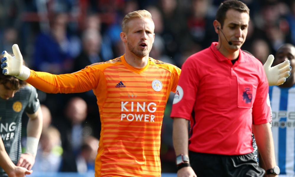 Kasper Schmeichel: referee-botherer.