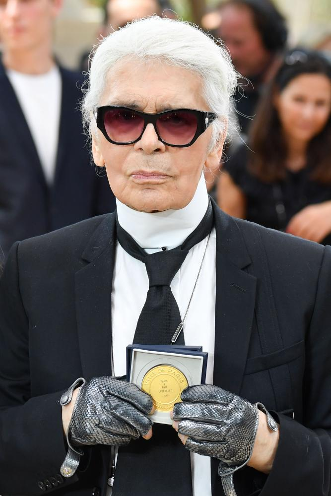 Lagerfeld is awarded the Grand Vermeil medal, Paris's highest honour, in 2017.