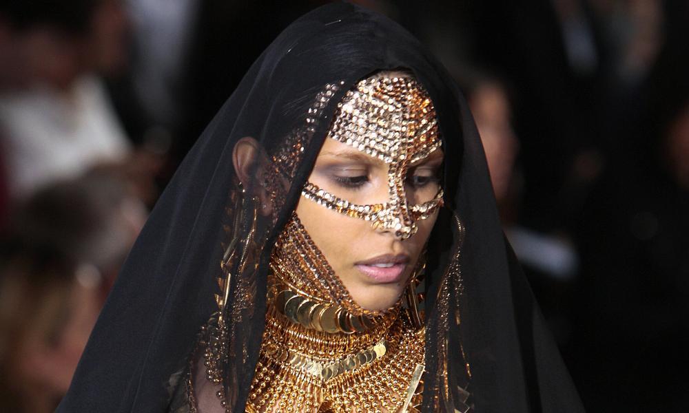 Givenchy model.