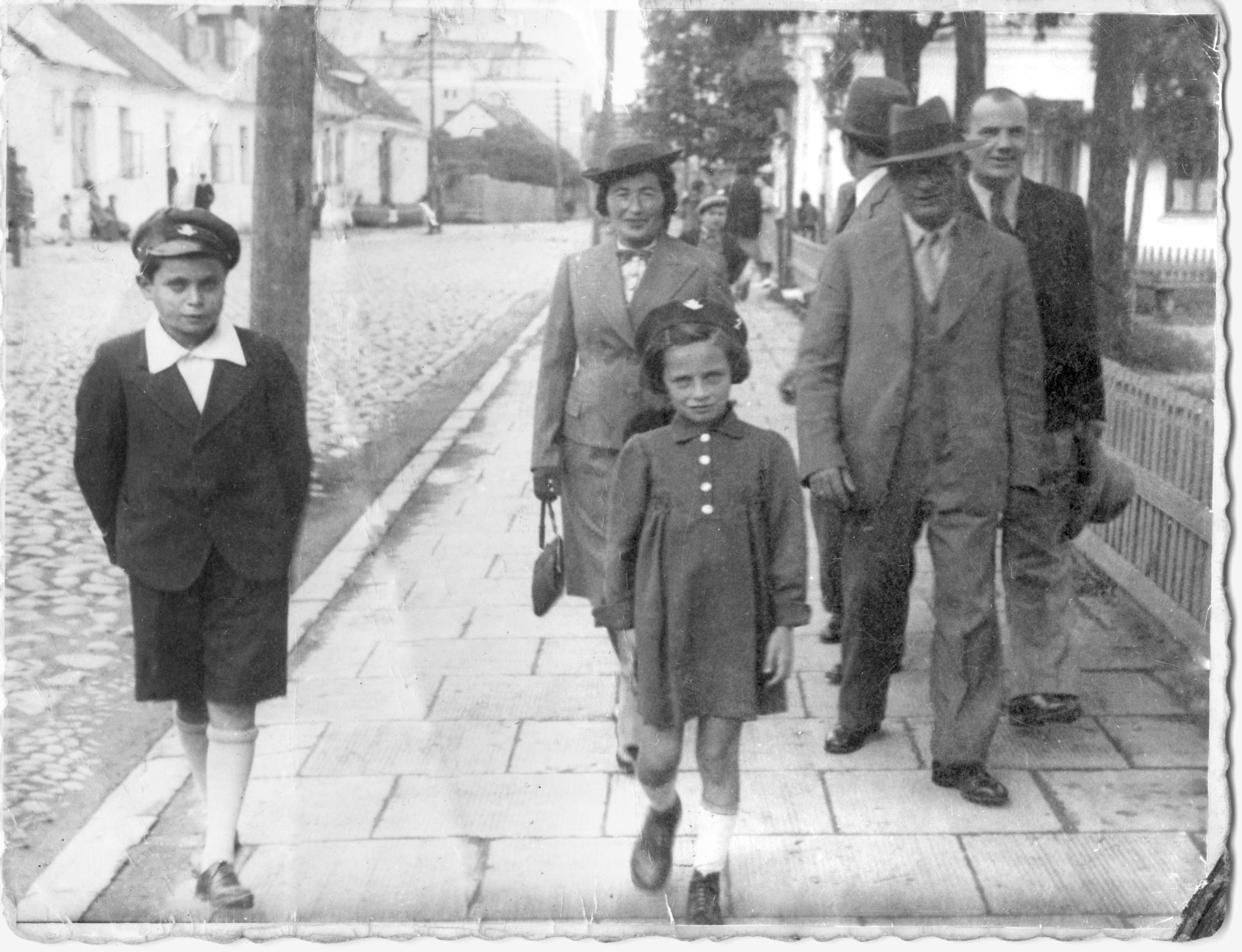 Tehran Children: A Holocaust Refugee Odyssey – review