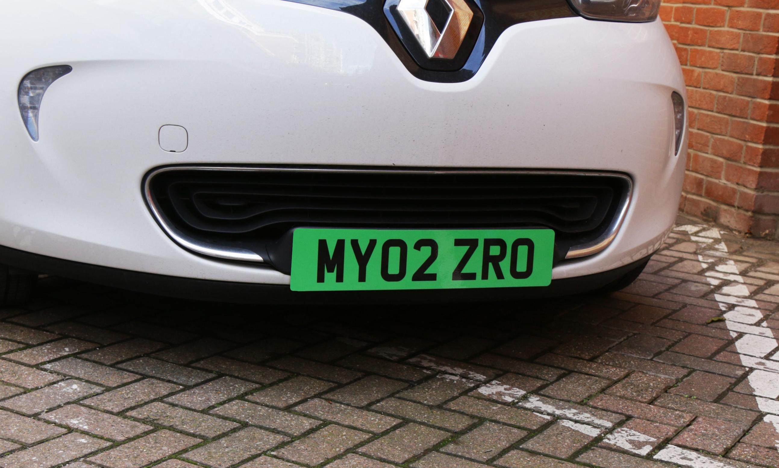 Electric cars to get green number plates under government plan