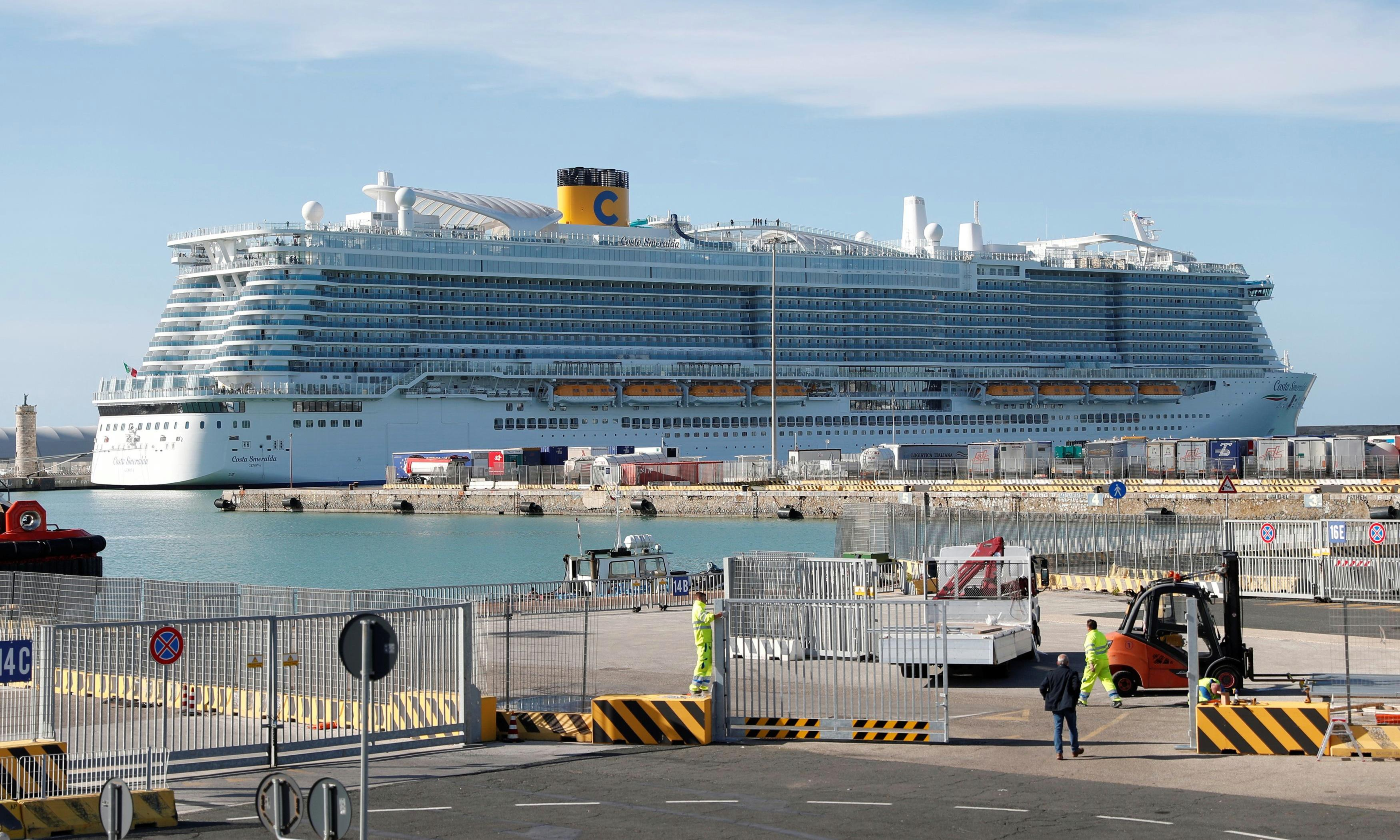 6,000 passengers stuck on cruise ship in Italy over coronavirus fears